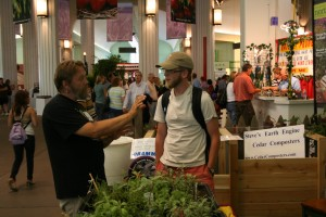 At events all year long, our volunteers answer questions from new gardeners.