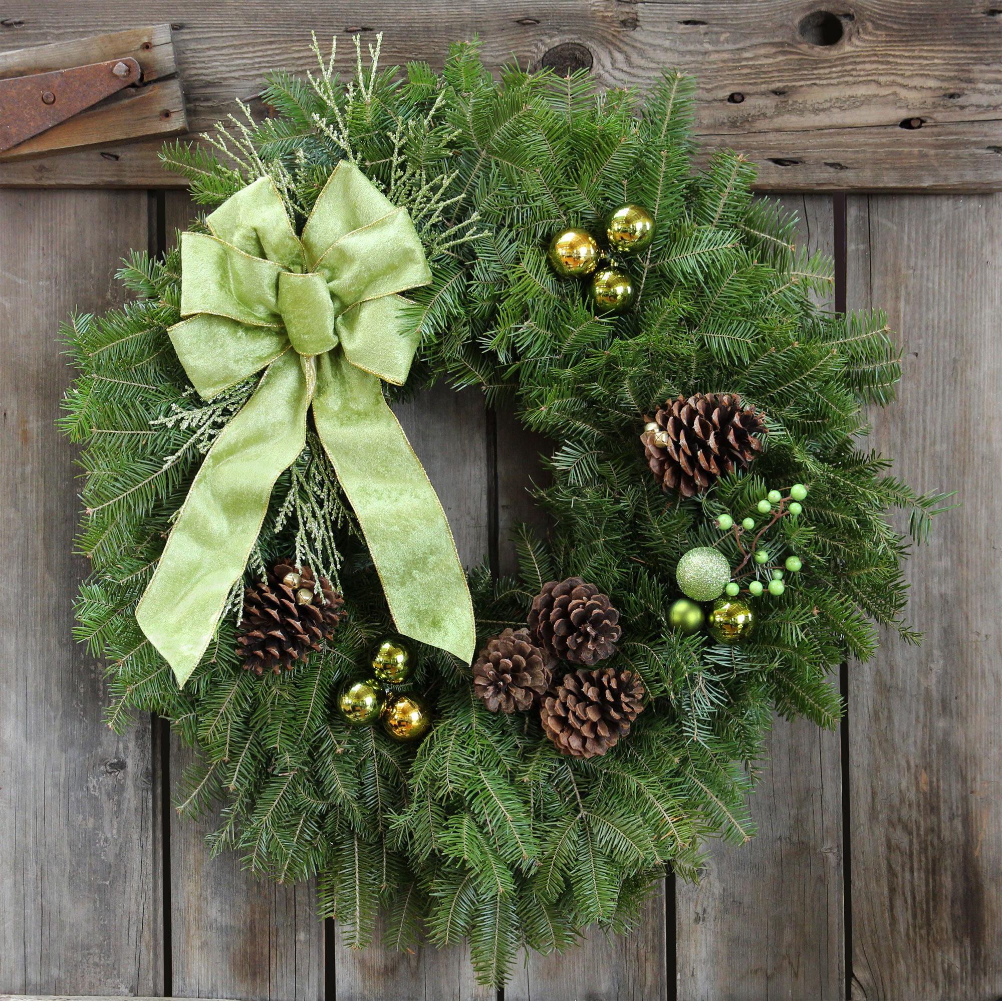 green and gold wreath