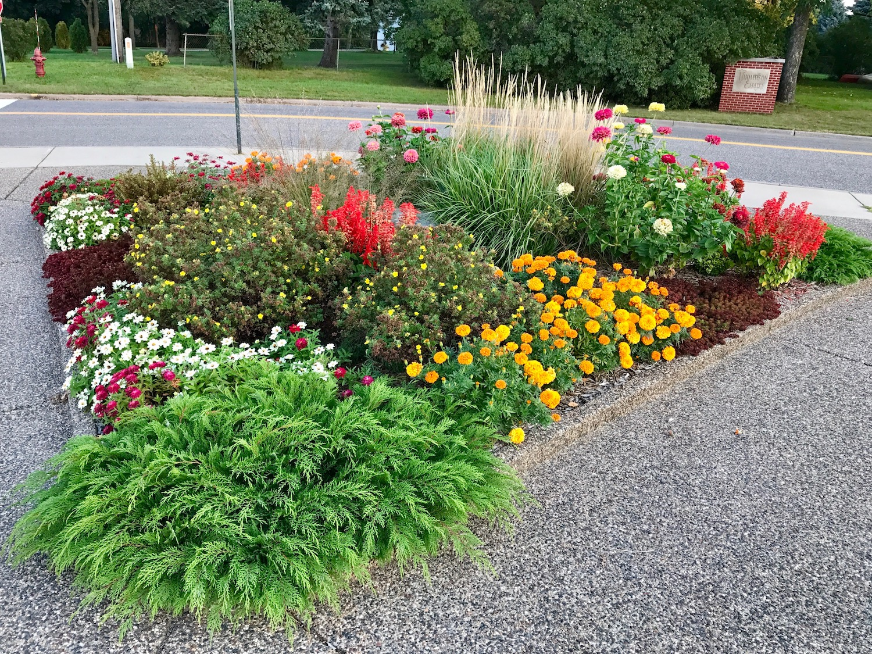 pineridge garden club garden